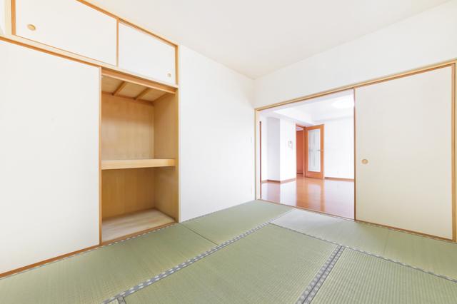 リノベーション前のマンションの和室