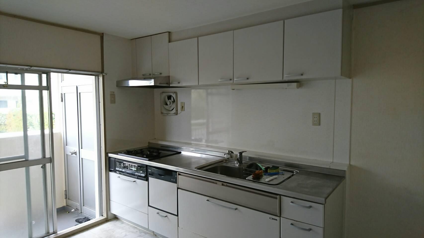 リノベーション前のマンションのキッチン
