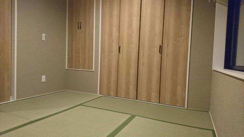 バリアフリー化したマンションの和室の畳