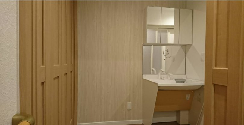 手すりを設置し広さも追求した洗面所